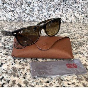 Rayban New Wayfarer Sunglasses in Tortoise